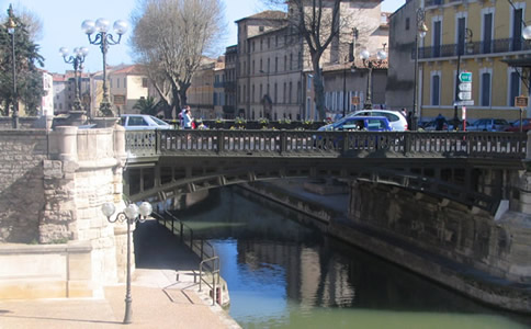Canal Bridge in Narbonne. Copyright Marlane O'Neill 2009.   All rights reserved