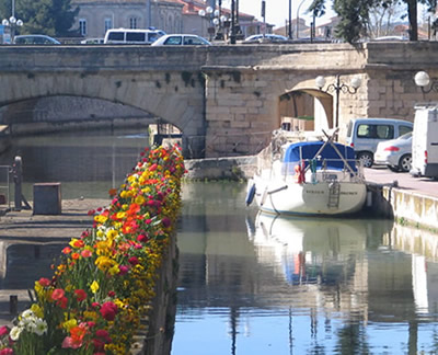 Canal adorned in Flowers. Copyright Marlane O'Neill 2009.   All rights reserved